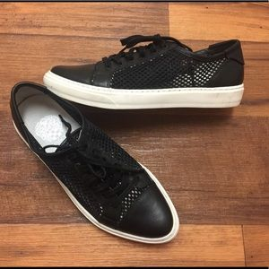 Black mesh and leather sneakers woman size 8